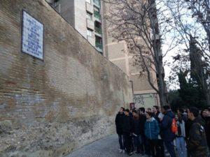 En el muro de la calle Asalto